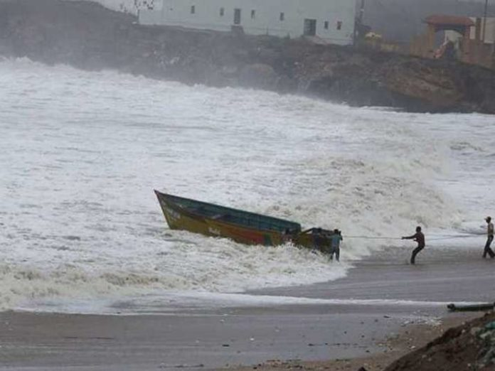 Amphan likely to intensify into super cyclone, PM Modi to chair meeting at 4 pm- India TV