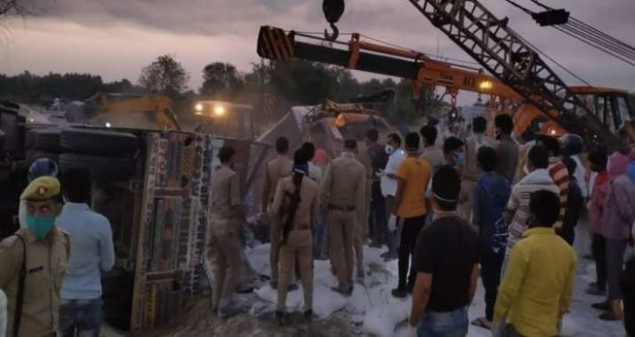 Auraiya Accident: Yogi government suspends 2 SHO, orders to file case against truck owners- India TV