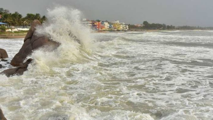 Cyclone Amphan: One lakh shifted to safety in Bengal- India TV Hindi