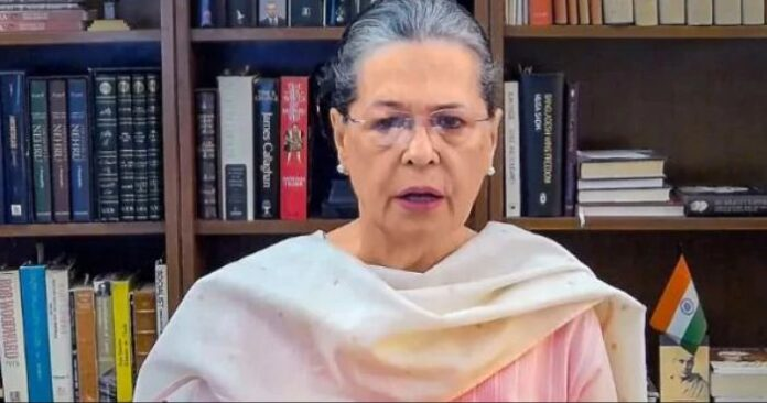 sonia gandhi targeted goverment for petrol and diesel prices