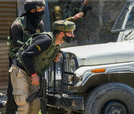 terrorists killed in srinagar
