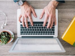 Pros and Cons of Being a Freelance Translator